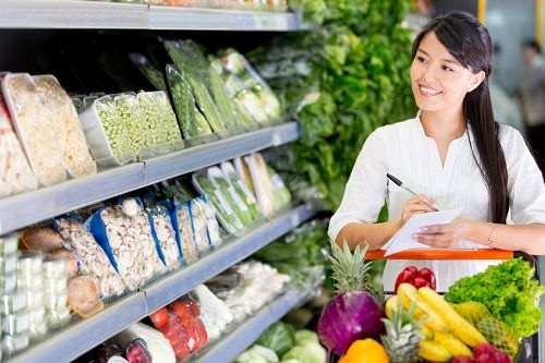 4 Grocery Shopping Tips That Will Save You Calories