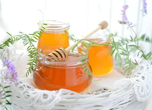 8 Wonderful Benefits of Honey