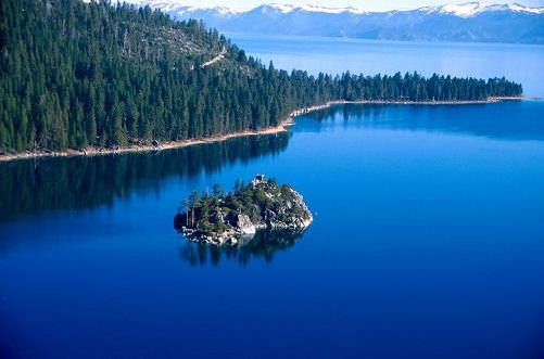 10 Amazing US Lakes for Summer Vacation