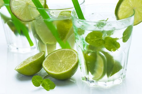 10 Deliciously Slimming Ingredients for Your Summer Drinks