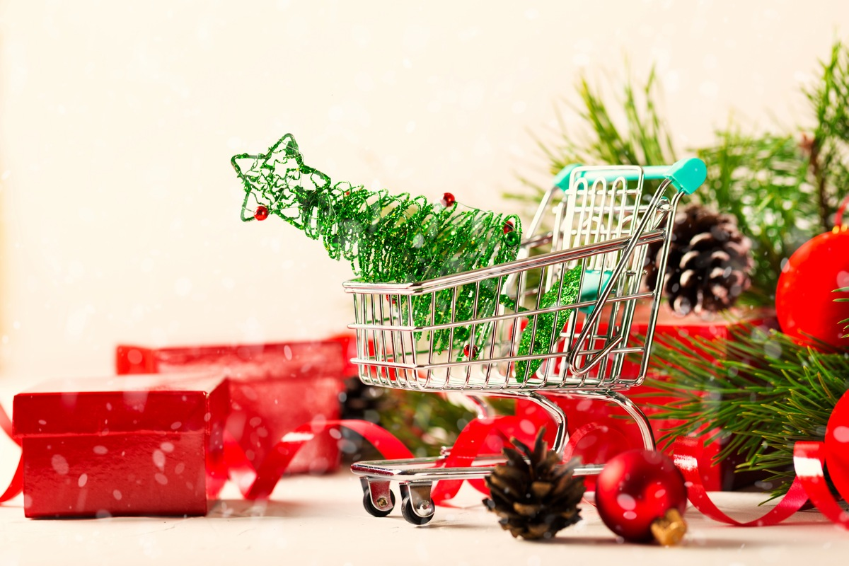 10 Steps to the Happiest Christmas Ever Focus on activities, not gifts