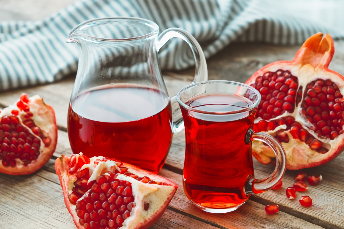 Pomegranates 8 Best Winter Foods You Should Be Eating Now