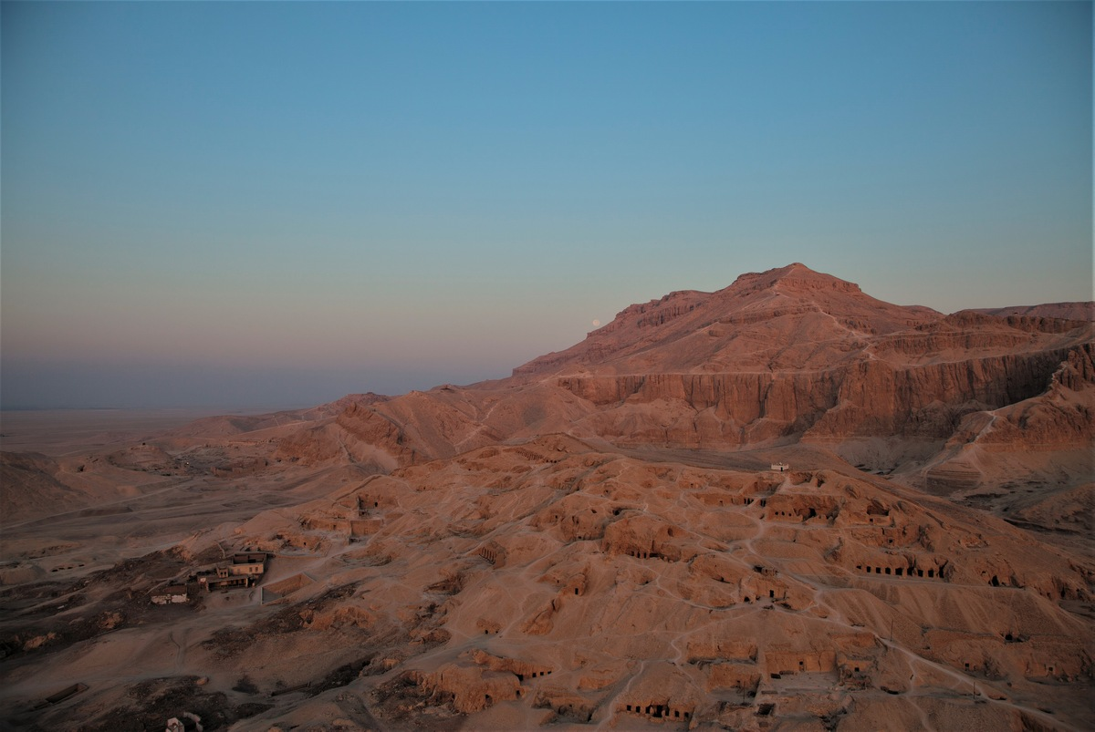 9 Popular Tourist Attractions Being Destroyed by Tourists Ancient Egyptian tombs, the Valley of the Kings