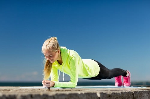 5 Reasons to Do Plank Exercise and What Mistakes to Avoid