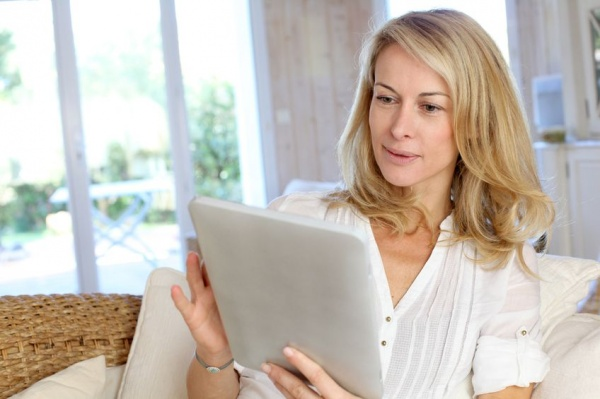 8 awesome style blogs for women over 40 for Blog single woman
