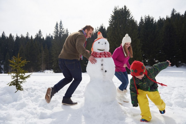6 Ways to Make Your Kids Fall in Love with Winter