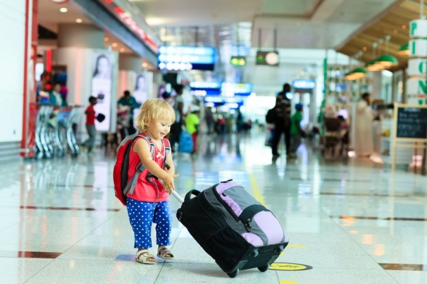 7 Lifesaving Tips for Traveling with Kids