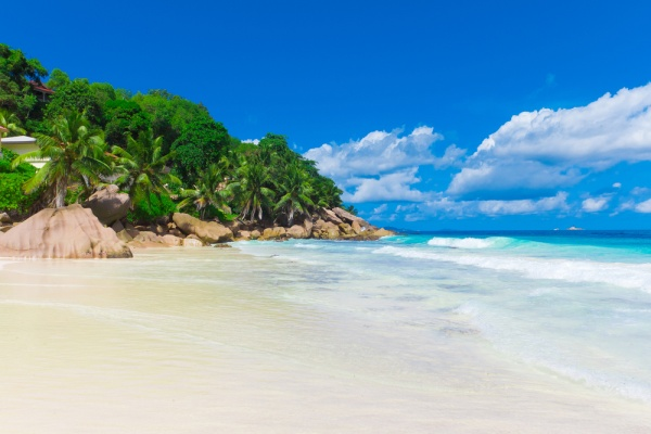 Coconut Island Queensland: 10 Breathtakingly Beautiful Secluded Beaches