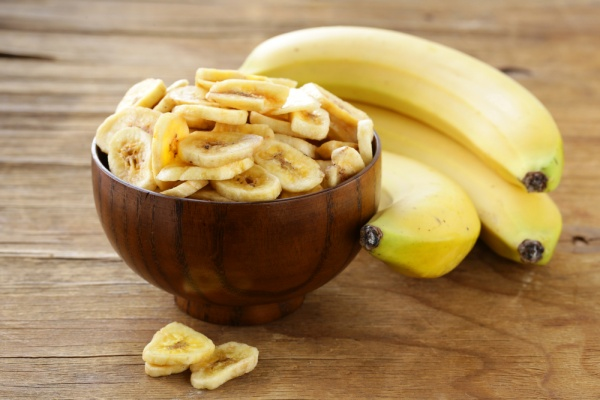 7 Reasons Girls Should Eat 3 Bananas Daily
