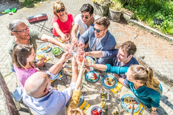 7 Tricks to Host the Most Fantastic BBQ Ever