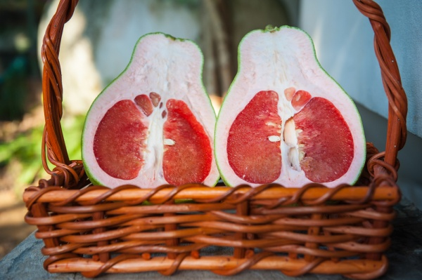 8 Wonderful Benefits of Pomelo Fruit