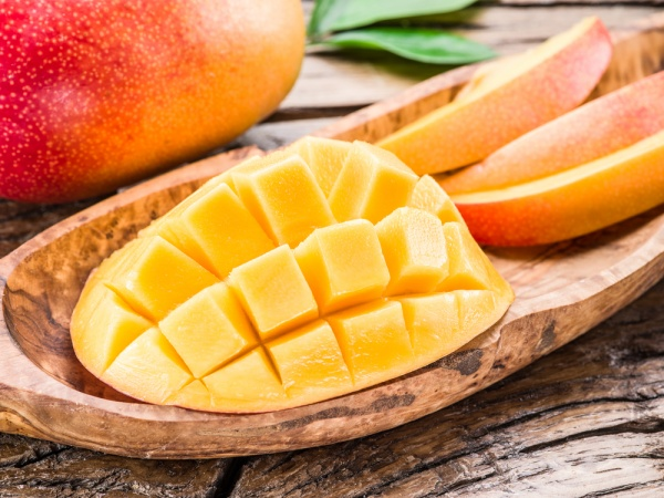 8 Reasons You Should Be Eating Mango Daily (+ Mango Ice Cream Recipe)