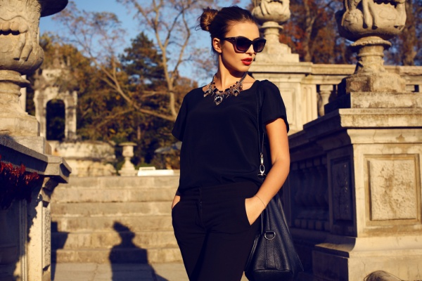 3 Tricks to Choose Accessories That Will Make You Look Slimmer