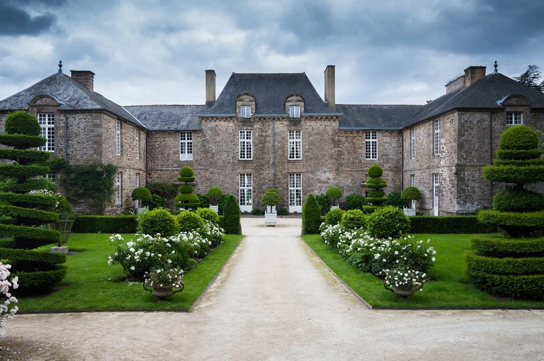 10 Impressive Ancient Castle Hotels around the World Château de la Ballue, France