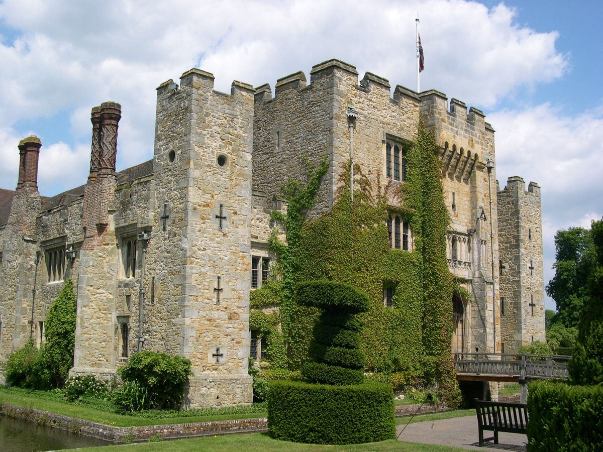10 Impressive Ancient Castle Hotels around the World Hever Castle Luxury Bed & Breakfast, Edenbridge, Kent, England