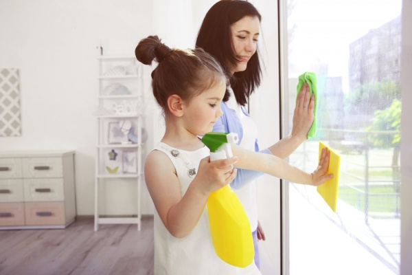5 Cleaning Habits of a Busy Working Mom
