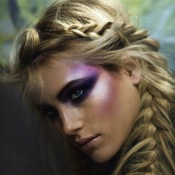 Mermaid Highlighters Are Now a Crucial Part of the Makeup World
