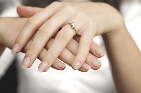 Should You Ditch Your Engagement Ring for Job Interviews?