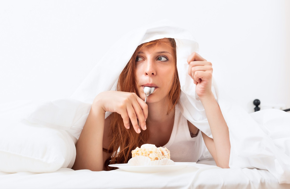 7 Tasty Foods to Avoid Before Bed