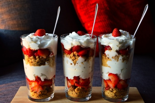 strawberry-yogurt-parfaits
