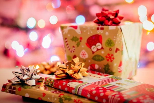 10 Festive and Fun Christmas Gifts