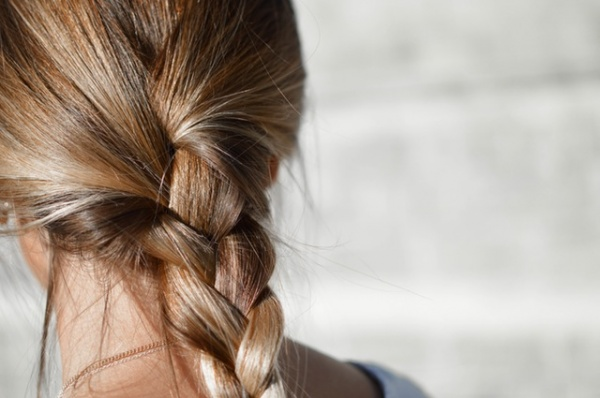 4 Tricks to Keep Your Hair Color Shiny and Bright