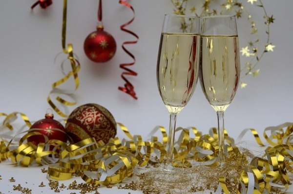 5 Reasons to Skip Champagne on New Year's Eve