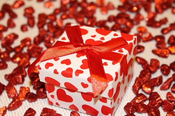 10 Unusual Valentine's Day Gifts He Will Love