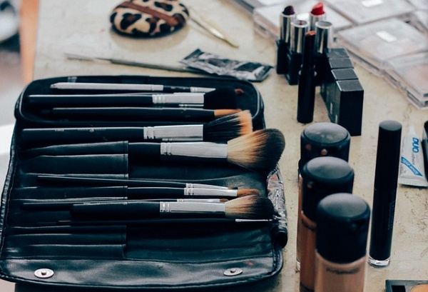 Prom Makeup Hacks