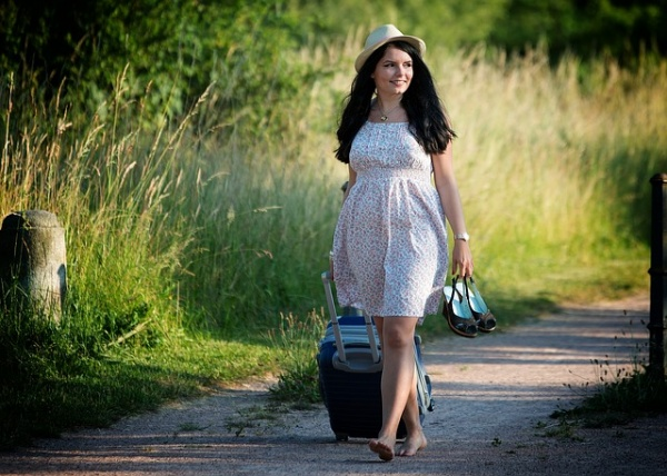 Safety Tips for Pregnant Women Traveling Alone