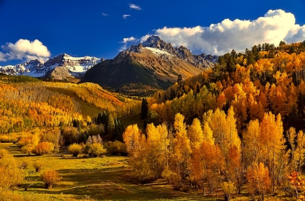 10 Breathtaking Places in the World to See Fall Foliage