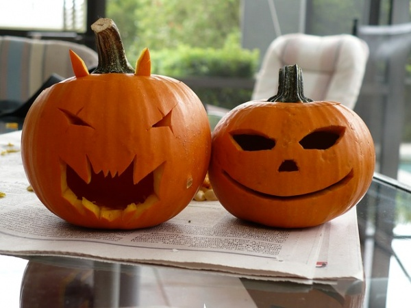 Crazily Fun Ways to Spend Halloween with Your Hubby