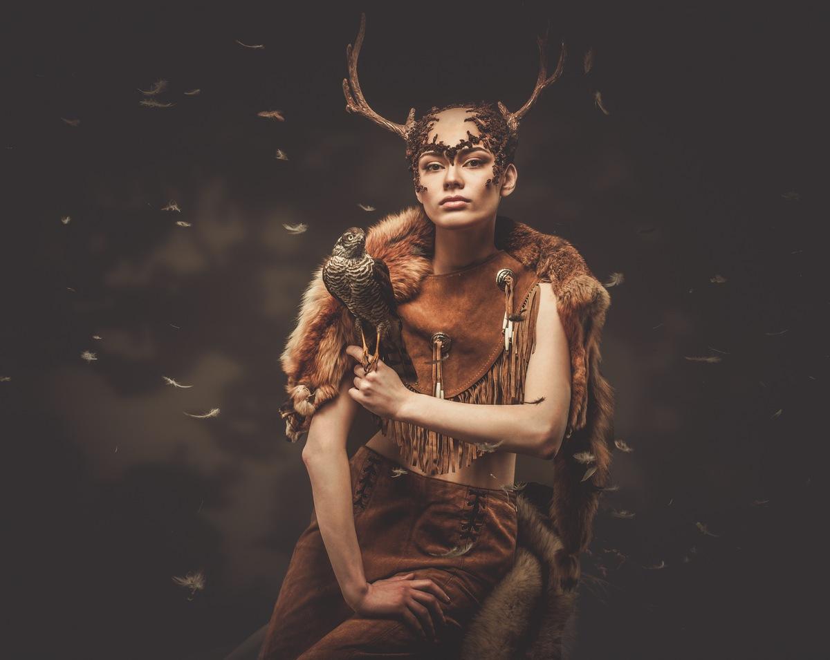 15 Halloween Costumes for 20 Somethings Deer