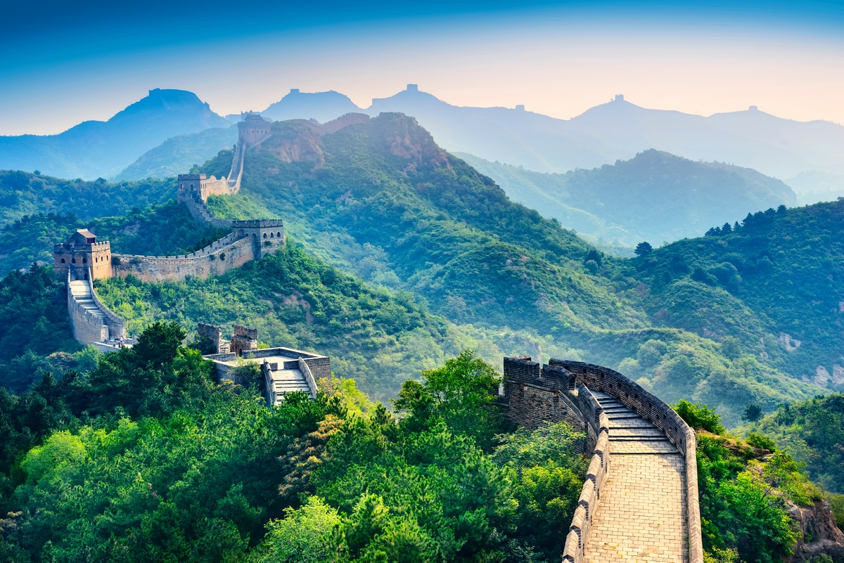 10 Most Beautiful Old Buildings The Great Wall Of China – China (2410 years)